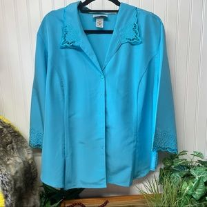 Anthony Richards Blue embroidered buttons down 24W